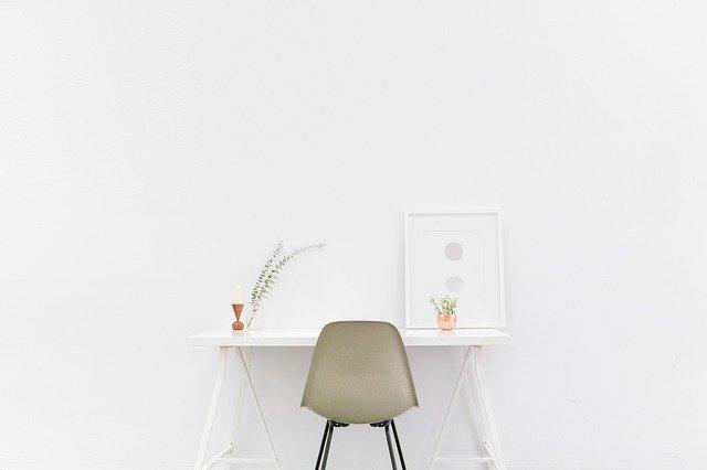 biurko rosnące z dzieckiem